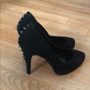Black Suede Dolce Vita Heels with spikes! Sz 8.5